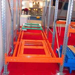 Warehouse Storage Metal Push Back Racking with Tunel
