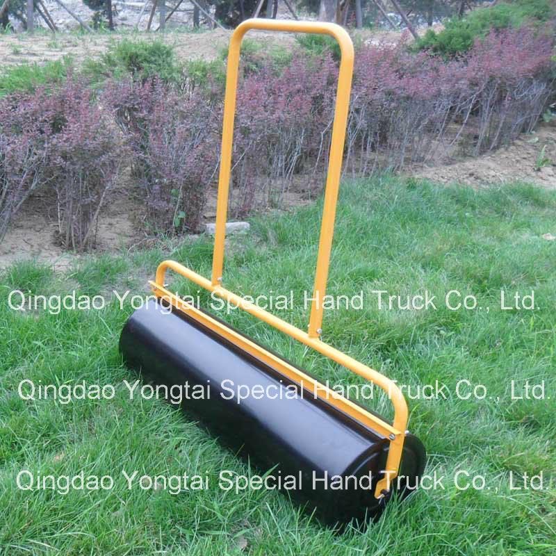 La main pousser le rouleau de pelouse du jardin en acier for Combien demander pour tondre la pelouse