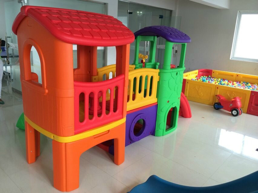 Kids Indoor Playhouse with Slide Children\'s Play Equipment Indoor ...