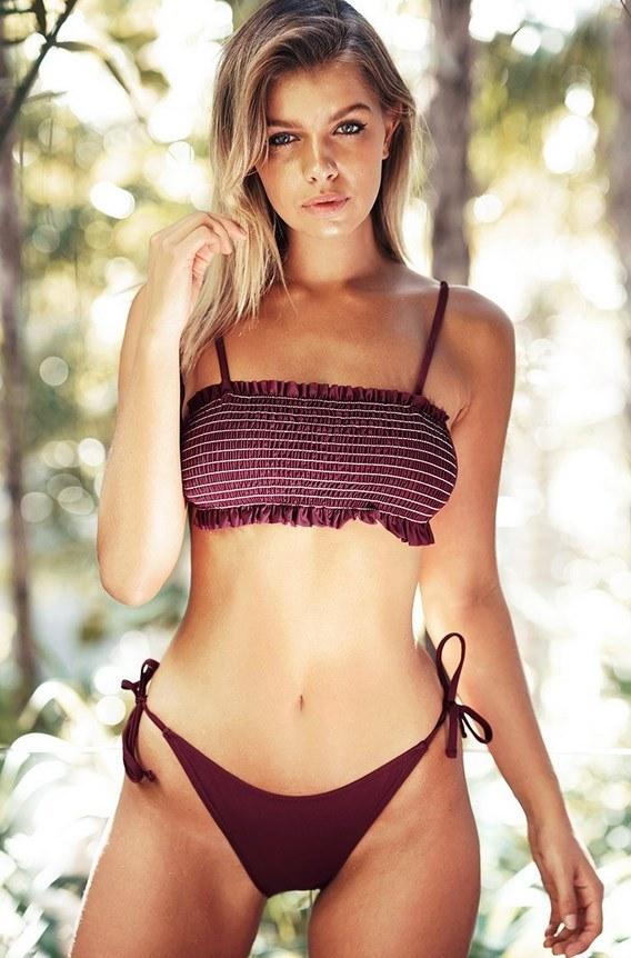 Girls sexy pool Top 10
