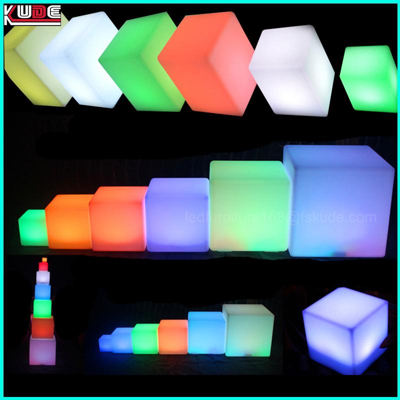 Couleurs Les Fonctionne Table Lumière Magique Lampes 16 Changent De Batterie Cube À Led Sur DEWH2I9