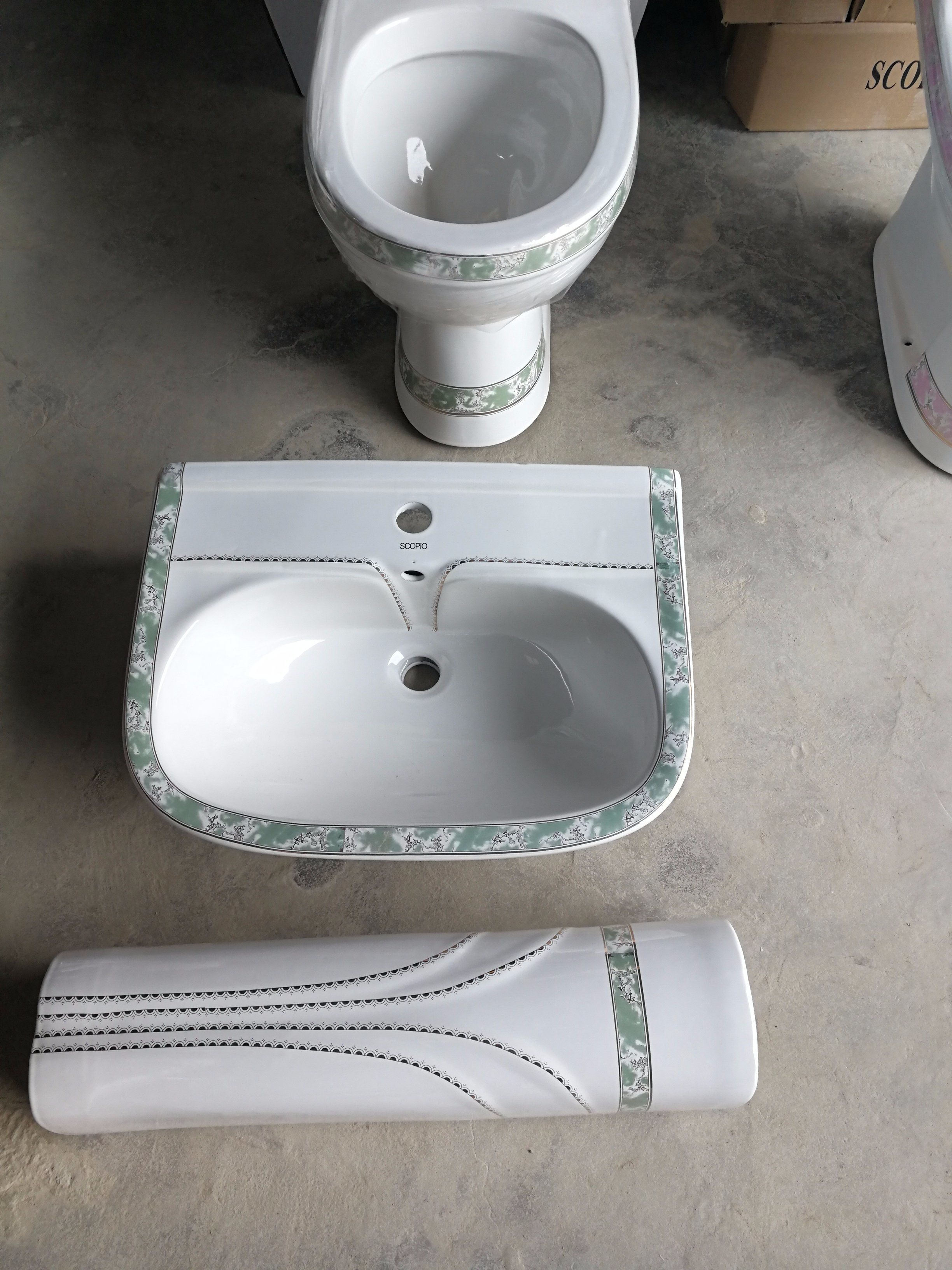 Chaozhou Factory Sanitary Ware Ceramic Decorative Pedestal Basin for Kuwait