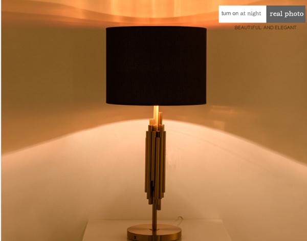 De moderne verlichting van de schemerlamp van het bureau elgance