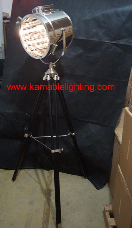 High Quality Indoor Decorative Tripod Floor Light (F701)