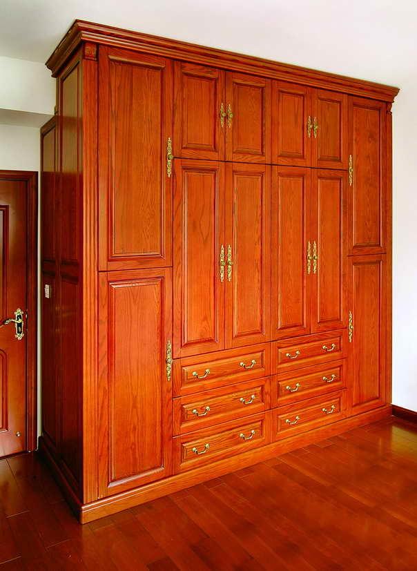 Talladas mano ropa de muebles de dormitorio de madera for Limpiar armarios de madera