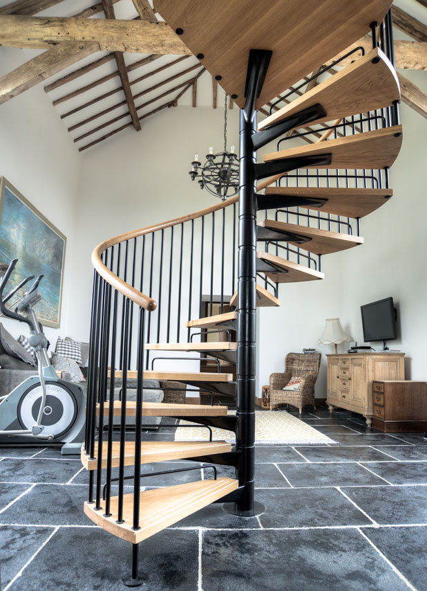 Indoor escaliers Escalier moderne personnalisable de feuillus de conception  des escaliers en bois massif