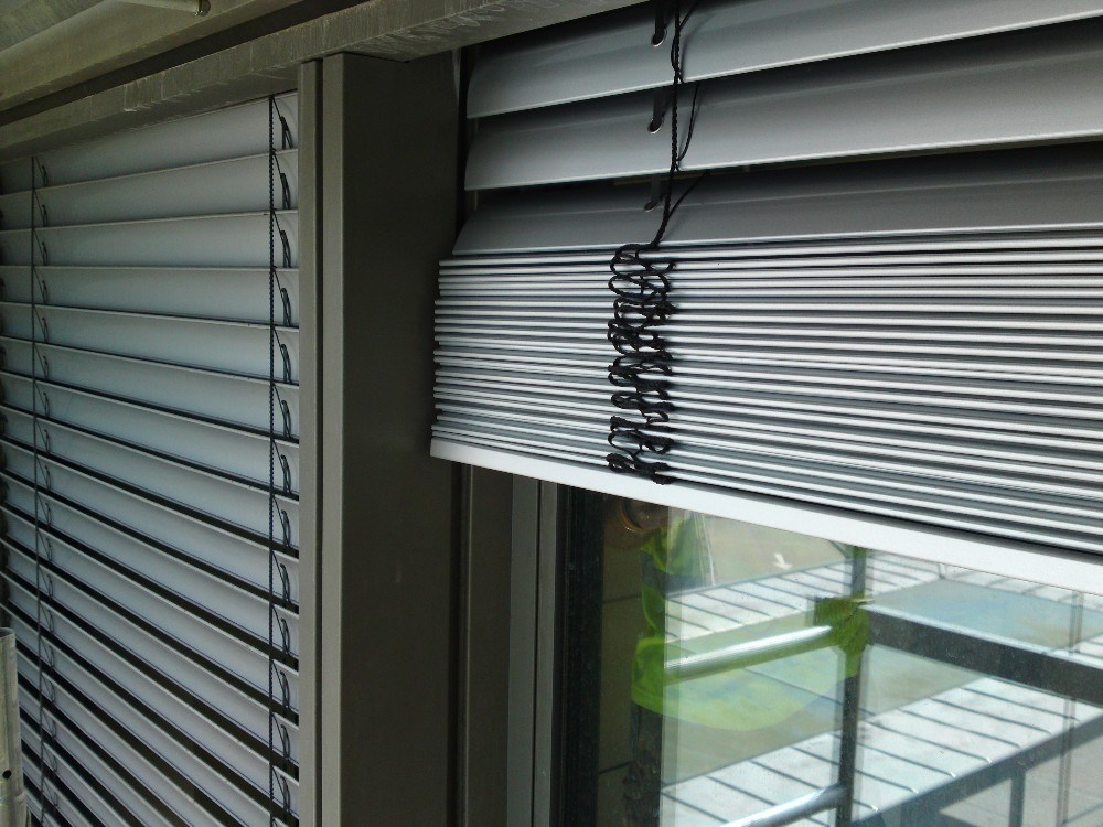 Motorized and Manual Sunshade Aluminum Venetian Roller Blinds