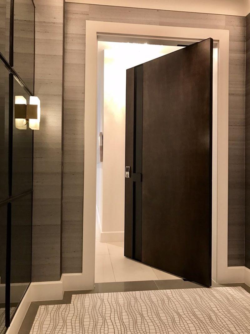 El pivote de la puerta de madera – El pivote de la puerta de madera ...
