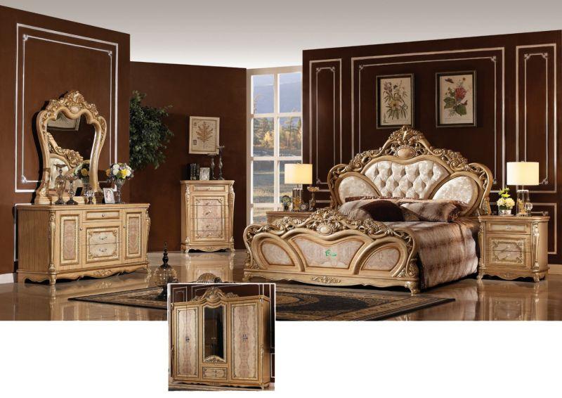 Muebles de Dormitorio antiguo con el clásico juego de cama (3008 ...