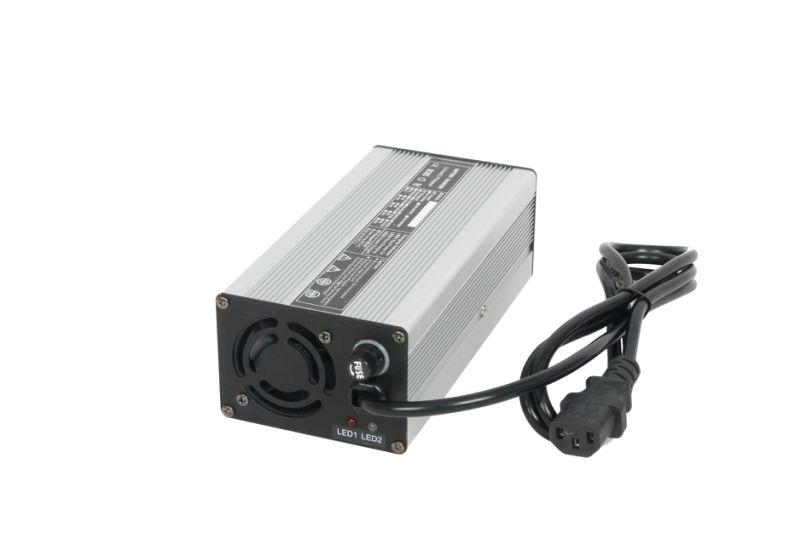 chargeur de batterie au lithium ion 48v pour scooter lectrique fauteuil roulant chargeur de. Black Bedroom Furniture Sets. Home Design Ideas
