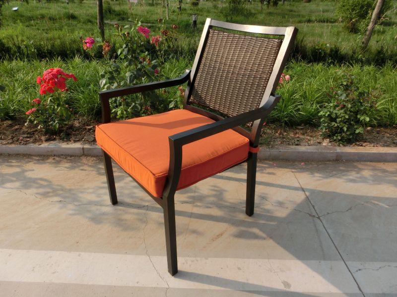 Muebles de jardín para patio con mesa de cerámica y silla de mimbre ...